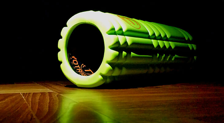 Foam Roll For IT Band Syndrome And Fix Knee Pain